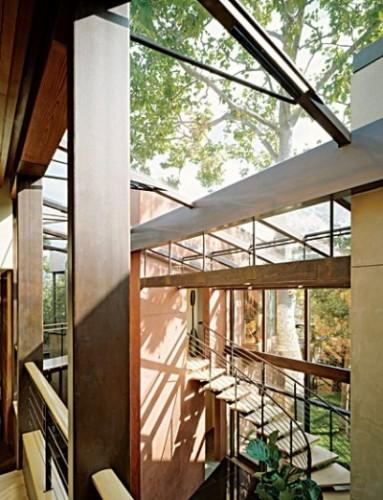 Demi-Moore-AshtonKutcher-home
