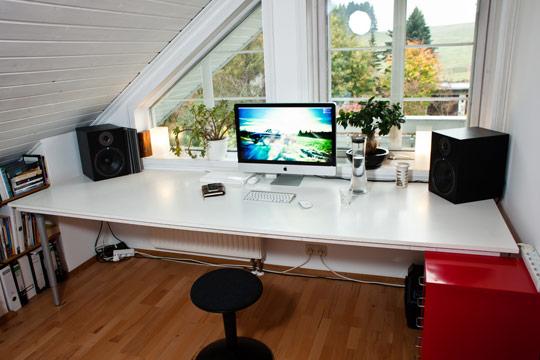 organized-office-desk-toronto