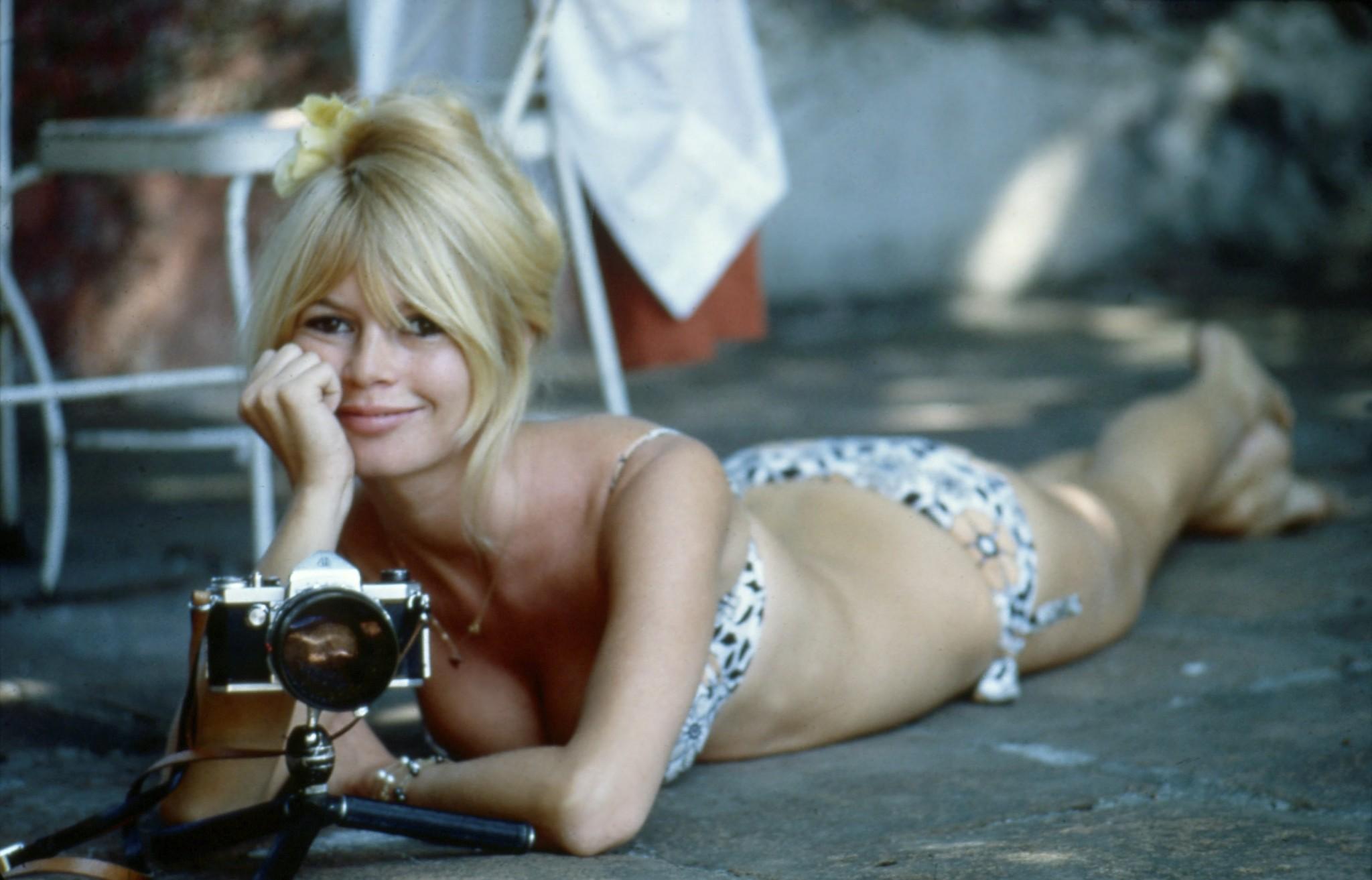 2-photos-people-cinema-Brigitte-Bardot