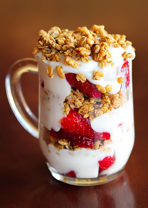 fruit-and-yogurt-parfait-05