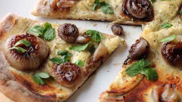 Caramelized_Onion_Pizza_1