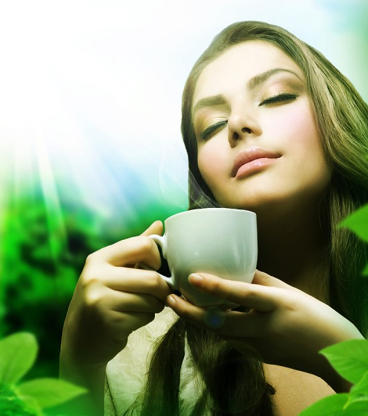 girl-drinking-green-tea
