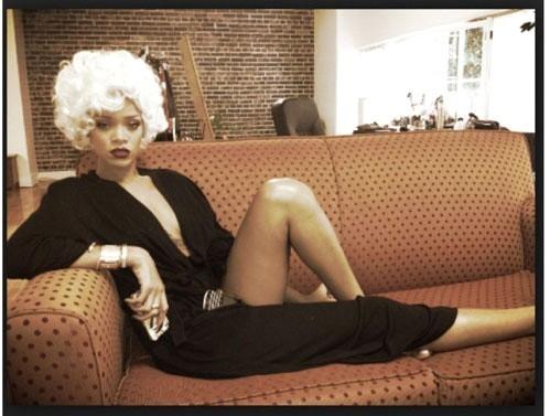 Rihanna+Rihanna+Twitter+Pics+BiaLjMKKEZtx