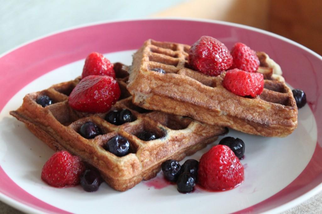 Coconut-Flour-Waffles-Paleo-6-1600x1200