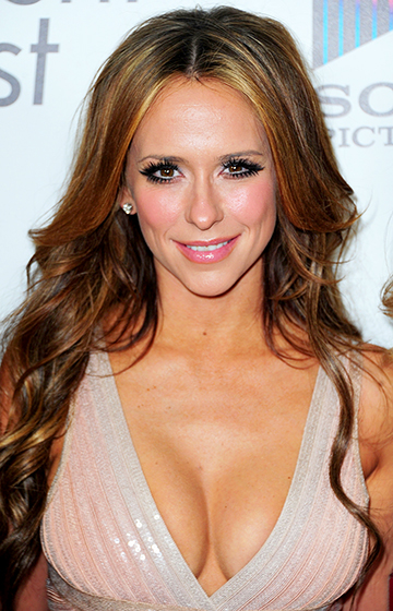 1398163019_142431848_-jennifer-love-hewitt-560