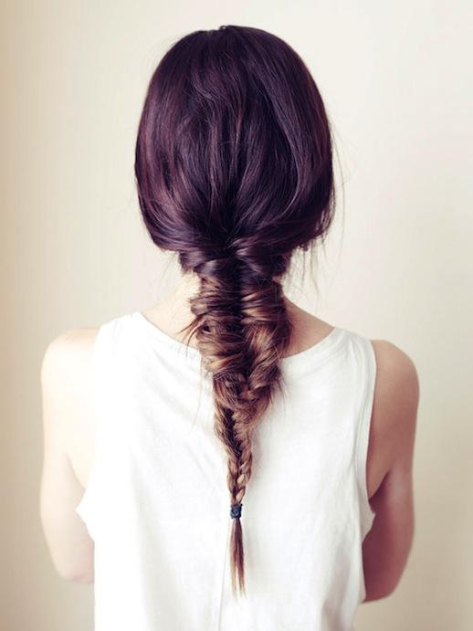 1-Le-Fashion-Blog-30-Inspiring-Fishtail-Braids-Messy-Brown-Braid-Hair-Style-Via-Vogue-Australia