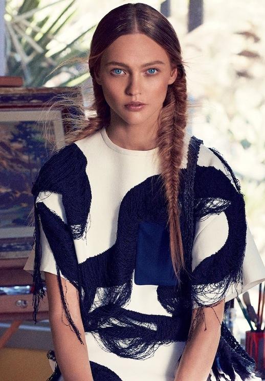 18-Le-Fashion-Blog-30-Inspiring-Fishtail-Braids-Minimal-Side-Braid-Hair-Style-Via-Vogue