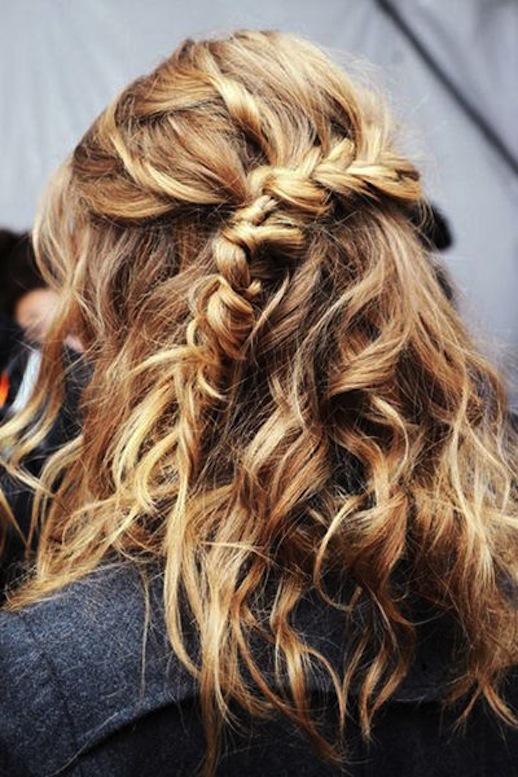 19-Le-Fashion-Blog-30-Inspiring-Fishtail-Braids-Half-Up-Braid-Short-Hair-Style-Via-Vogue-Germany