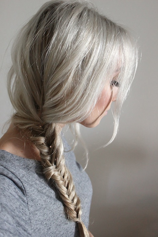 28-Le-Fashion-Blog-30-Inspiring-Fishtail-Braids-Blonde-Side-Braid-Hair-Style-Via-Me-You-Hayley-Rue