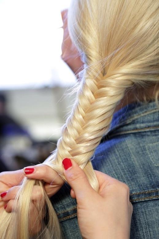 29-Le-Fashion-Blog-30-Inspiring-Fishtail-Braids-Hair-Style-Blonde-Low-Braid-Via-Get-The-Gloss