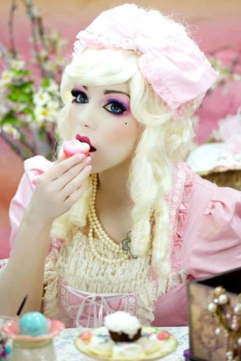 nrm_1412789530-makeup8