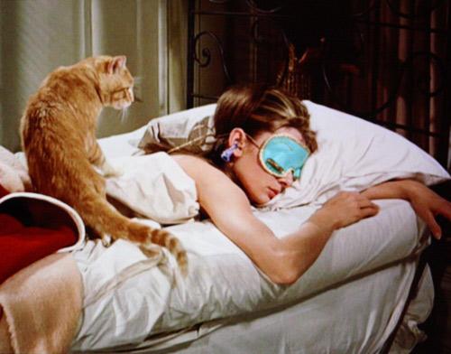 sleeping-in-bed-tumblr-wimn9ixk