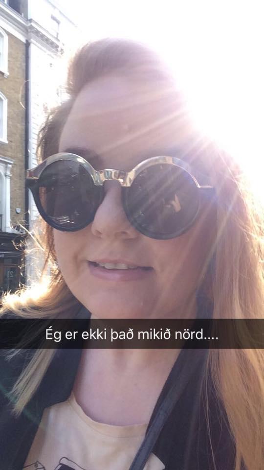 Þessi kona er að fara á One Direction tónleika í kvöld og ætlar að snappa um það @pjattsnapp