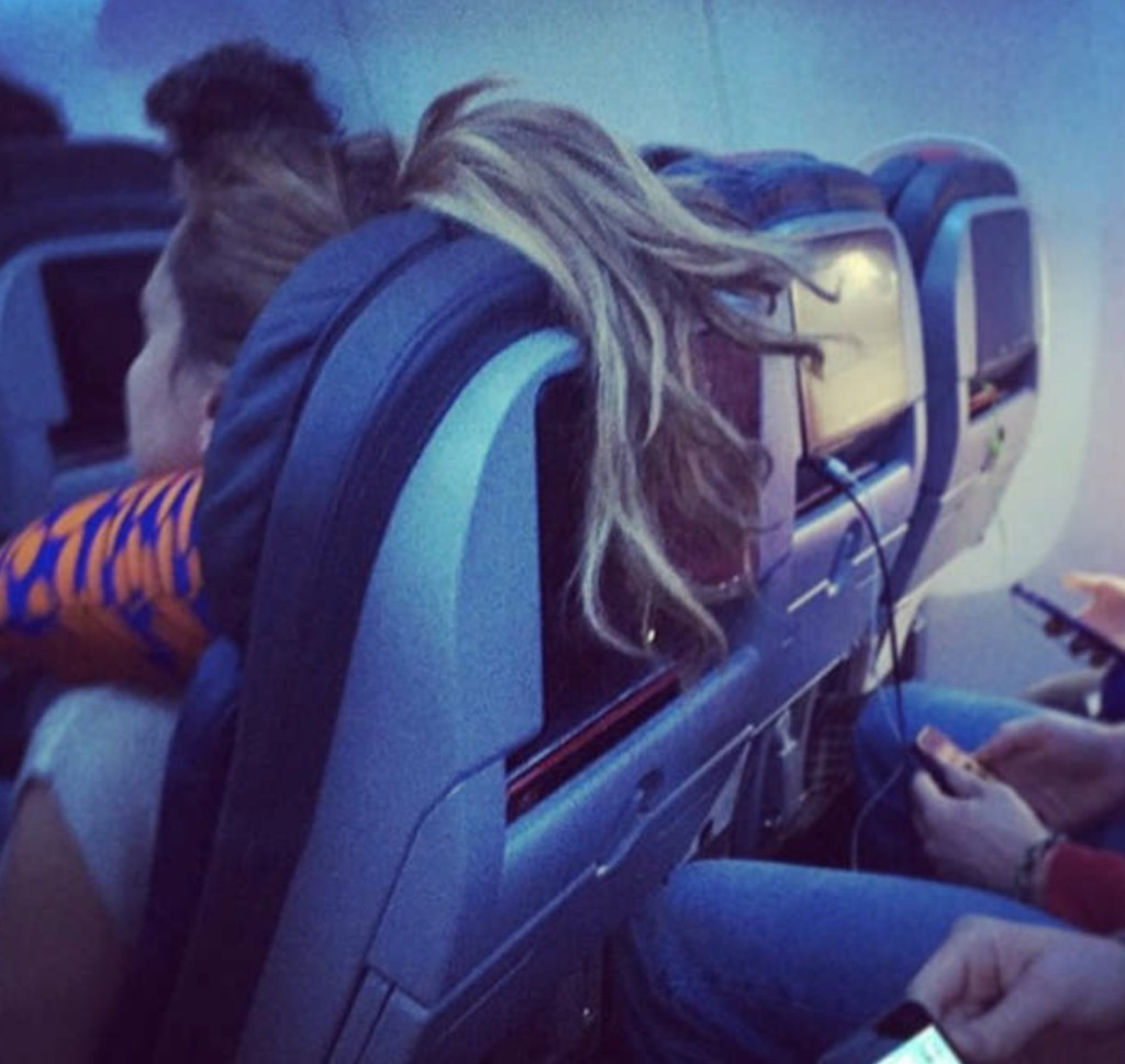 Bilderesultat for personas viajando en avion