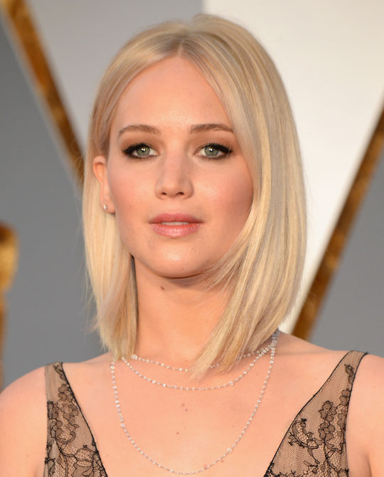 jennifer-lawrence-oscars-2016-makeup-w540